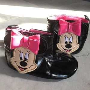 Baby girl Disney collection Minnie Mouse booties